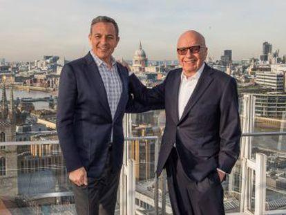 Los Murdoch venden sus estudios de cine y televisión, canales de cable y activos internacionales para concentrarse en el contenido en directo