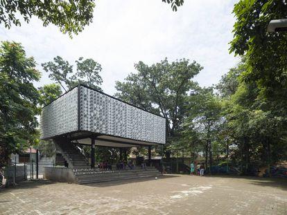 Microbiblioteca Taman Bima, en Bandung (Indonesia).