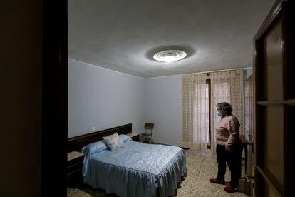 Interior de la pensión Vianesa, en Valladolid, donde se halló el cadáver de la mujer asesinada.