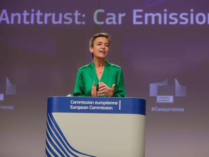 La vicepresidenta de la Comisión Europea, Margrethe Vestager, este jueves en una rueda de prensa en Bruselas.