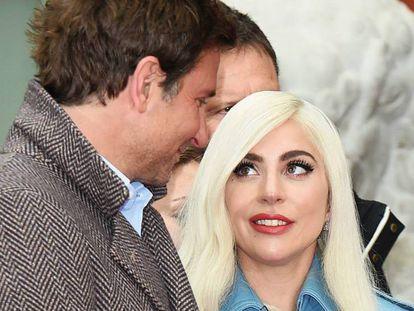 En foto: Lady Gaga y Bradley Cooper, en enero de 2019. En vídeo: la actuación de 'Shallow' en los Oscars 2019 que disparó los rumores en torno a un supuesto romance entre los dos.