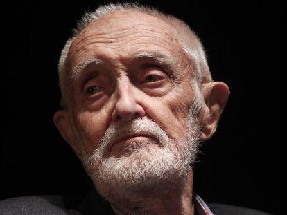 El escritor y economista español José Luis Sampedro en marzo de 2011.