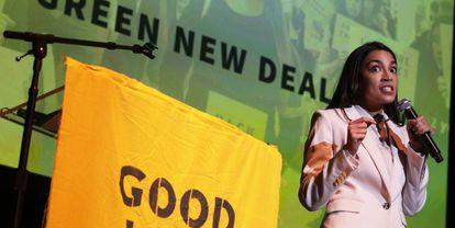 La congresista Alexandria Ocasio-Cortez habla en un mitin en la Universidad Howard University (Washington DC) el pasado 13 de mayo.