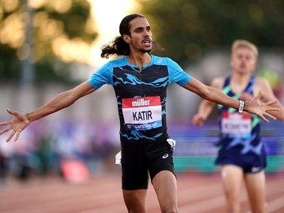 Katir, ganando los 3.000 de Gateshead.