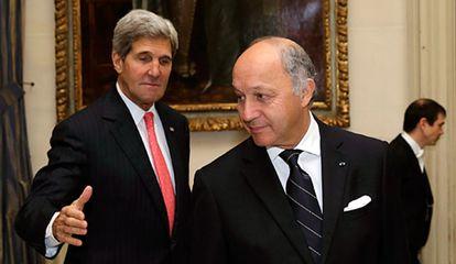 John Kerry junto al ministro francés de Exteriores, Laurent Fabius.