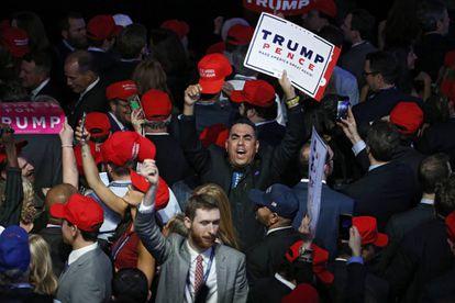 Simpatizantes de Trump en el hotel Hilton de Nueva York en el que celebraron su victoria el martes.