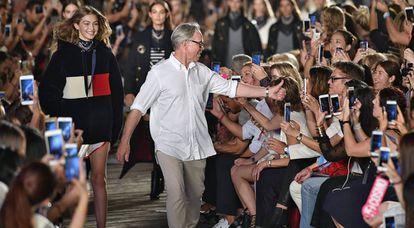 Gigi Hadid Y Tommy Hilfiger, en la pasada semana de la moda de Nueva York.