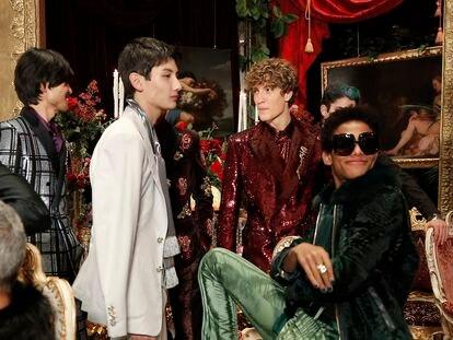 La colección Alta Sartoria de Dolce & Gabbana se articula en torno a la idea del diálogo y la confrontación entre generaciones.