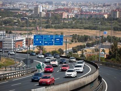 Tráfico en la autovía A-49 sentido Huelva-Portugal, el 27 de agosto en Sevilla.