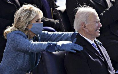 Joe Biden y su esposa, Jill, durante la ceremonia de toma de posesión de la presidencia de Estados Unidos, el pasado 20 de enero en Washington.