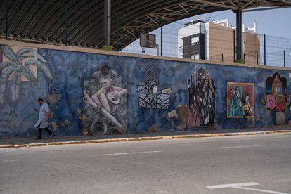 Mural conjunto de artistas de Róterdam, Roma y Melilla.