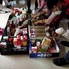Vecinos voluntarios de la Red de Cuidados de Moratalaz preparan cestas de comida para repartir entre los más necesitados en el local de la Asociación APOYO (C/ Corregidor Diego de Valderrábano, 45) durante el estado de alarma decretado por el Gobierno por la pandemia del Covid-19; en Madrid (España) a 12 de mayo de 2020. 12 MAYO 2020 NECESIDAD;PANDEMIA;AYUDA;SOLIDARIDAD;COMIDA;ALIMENTOS Eduardo Parra / Europa Press 12/05/2020