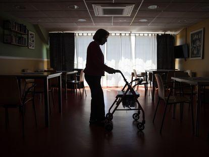 Una anciana en una residencia en la Comunidad de Madrid.