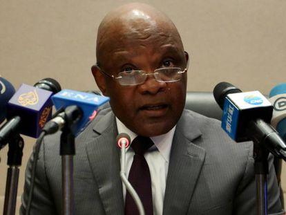 John Nkengasong, director del Centro de Control de Enfermedades de África, en una rueda de prensa en la sede de la Unión Africana, en Adís Abeba.