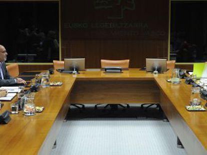 Encuentro entre PNV, PSE y EH Bildu esta mañana en el Parlamento
