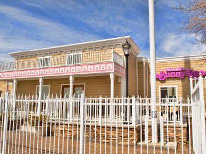 Cada vez más clientes del  Bunny Ranch , el prostíbulo legal más famoso de Nevada, demandan hacer transacciones con la criptomoneda, según su dueño