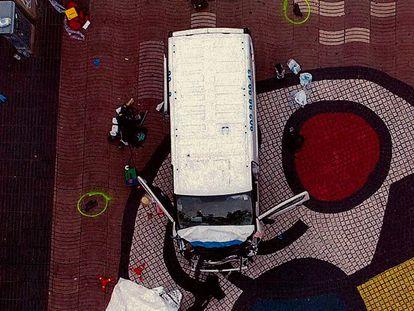 Furgoneta en las Ramblas de Barcelona tras los atentados . foto del Sumario