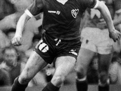 Bochini, durante un partido con el Independiente.