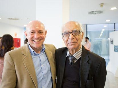 Mudumbai Seshachalu Narasimhan (a la derecha), de visita en el ICMAT en 2017, junto a Óscar García-Prada.