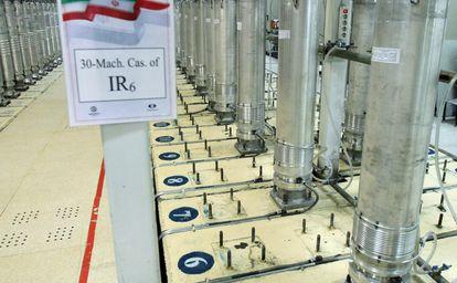 Cascadas de centrifugadoras en la planta de enriquecimiento de uranio de Natanz, que este domingo sufrió un apagón eléctrico.