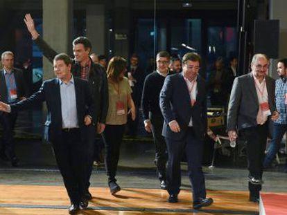 La firmeza de Sánchez frente al partido de Iglesias logra el consenso de los más próximos al presidente, los barones territoriales y quienes apoyaron a Susana Díaz
