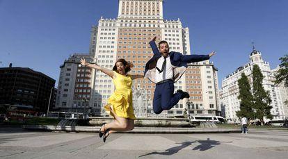 Eider Esnaola y Chema Zamora, directora y coreógrafo del espectáculo musical 'Sing Along'.