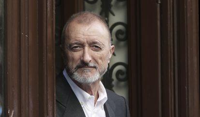 The writer Arturo Pérez-Reverte, in 2006.