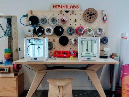 Dos de las impresoras de Hirikilabs