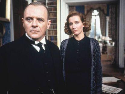 Anthony Hopkins y Emma Thompson, en un momento de 'Lo que queda del día'.