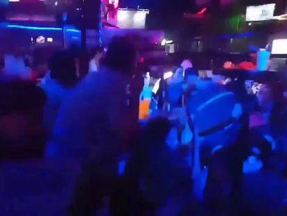 Imágenes del tiroteo en la discoteca Blue Parrot, en Playa del Carmen, en el Caribe mexicano.