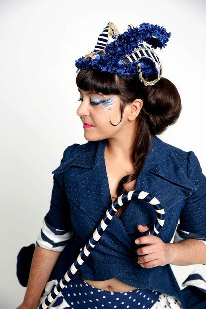 Maui de Utrera es el colorido personaje tras el que se esconde María Luisa Ramírez.