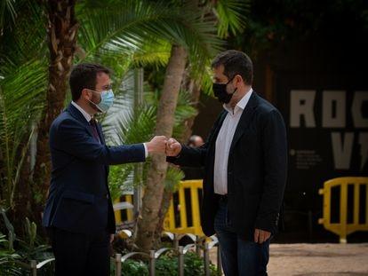 Pere Aragonès y Jordi Sànchez escenifican este lunes el acuerdo para formar Gobierno en Cataluña.