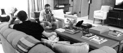Obama habla desde la casa de Costos en Palm Springs con el rey Juan Carlos tras abdicar (2014).
