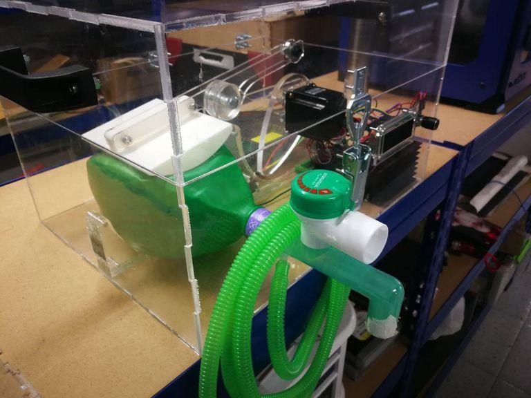 Respirador fabricado en una impresora 3D.