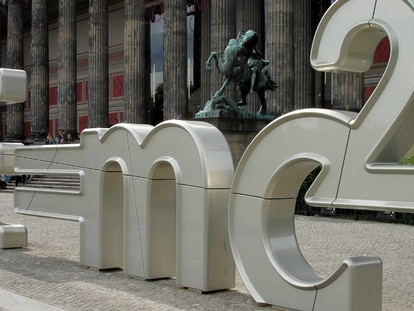 Escultura emplazada en el Paseo de las Ideas (Berlín)