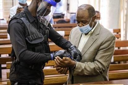 El opositor ruandés Paul Rusesabagina, en los juzgados de Kigali (Ruanda) en septiembre de 2020.