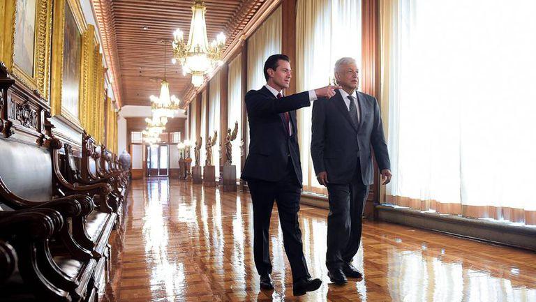 Peña Nieto y López Obrador en Palacio Nacional, en julio de 2018.