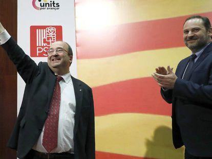 Miquel Iceta, candidato del PSC, acompañado por el secretario de organización del PSOE, José Luis Abalos.