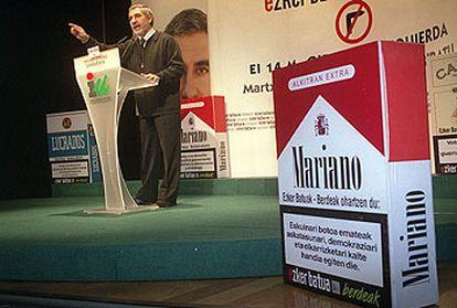 El candidato de IU, Gaspar Llamazares, durante el mitin de ayer en Bilbao.