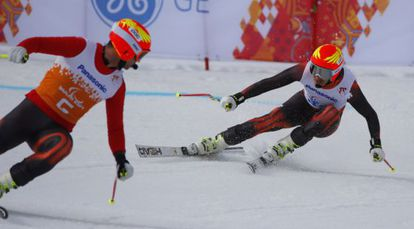 Jon Santacana y Miguel Galindo en el descenso de Sochi.