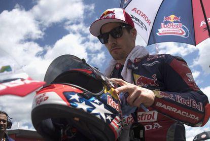 Nicky Hayden, en la parrilla antes de una carrera de Superbikes el pasado 13 de mayo en Imola.
