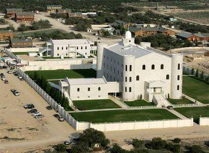 Templo de la secta polígama de origen mormón desarticulada por la policía en el oeste de Tejas.