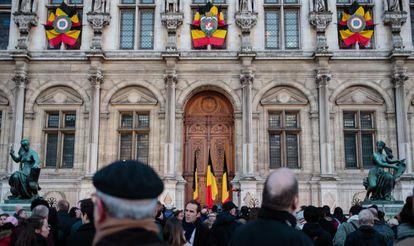 Duelo en la Grand Place de Bruselas.