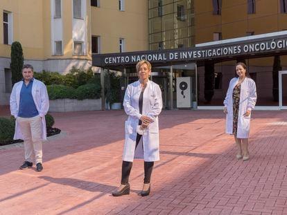David Olmeda, Marisol Soengas y Daniela Cerezo,científicos del Grupo de Melanoma del Centro Nacional de Investigaciones Oncológicas.