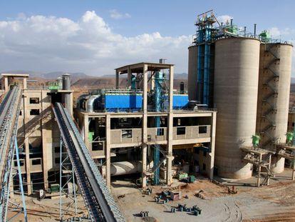 Una nueva planta cementera en Etiopía, financiada con inversión británica.