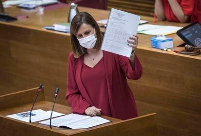 La nueva portavoz del grupo popular en las Cortes valencianas, María José Catalá, durante su intervención en el debate sobre el estado de la Comunidad.