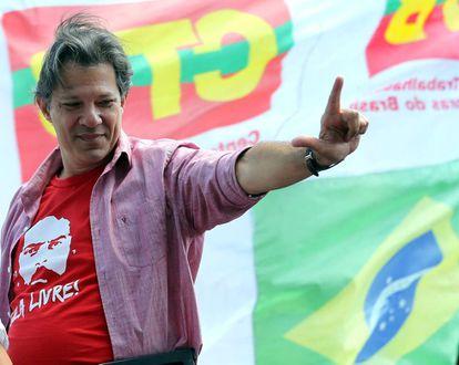 El candidato del Partido de los Trabajadores, Fernando Haddad, durante un mítin en São Paulo el 19 de septiembre