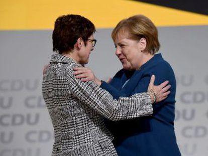 La canciller se despide de la dirección del gran partido conservador alemán tras dirigirlo durante 18 años