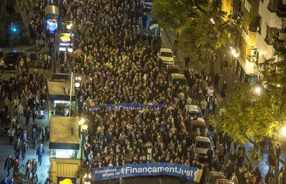 Miles de manifestantes reivindican una financiación autonómica justa para los valencianos.