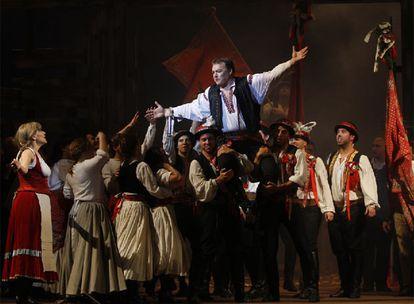 Un momento del ensayo general realizado anoche en el teatro Cervantes de Málaga.